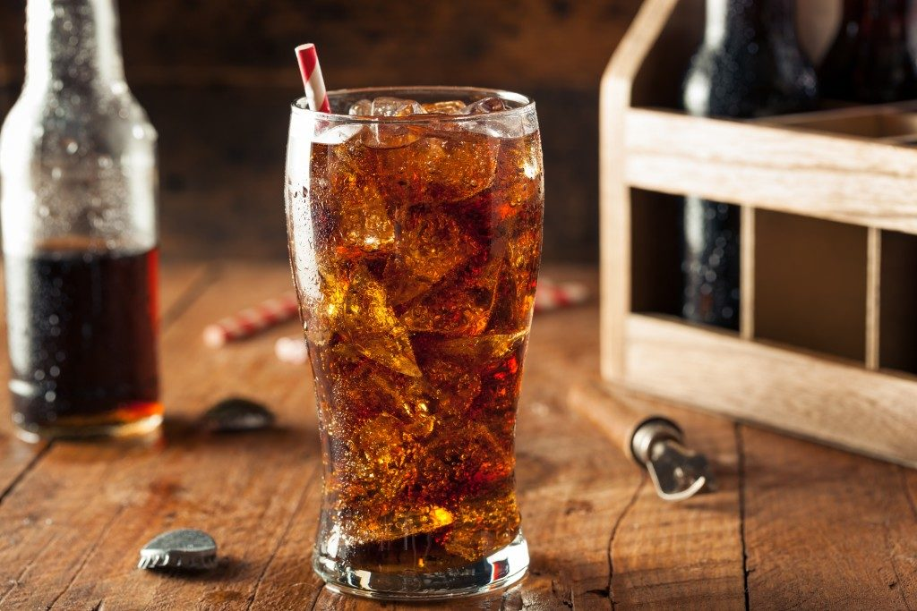 glass with soda and plenty of ice