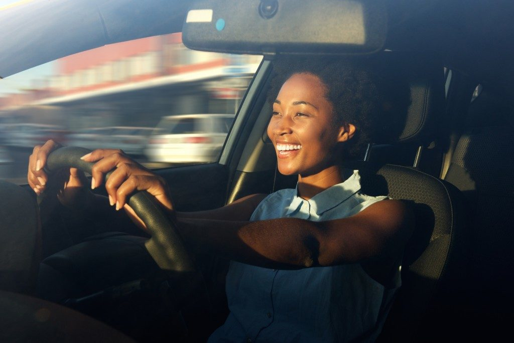 Woman driving the car
