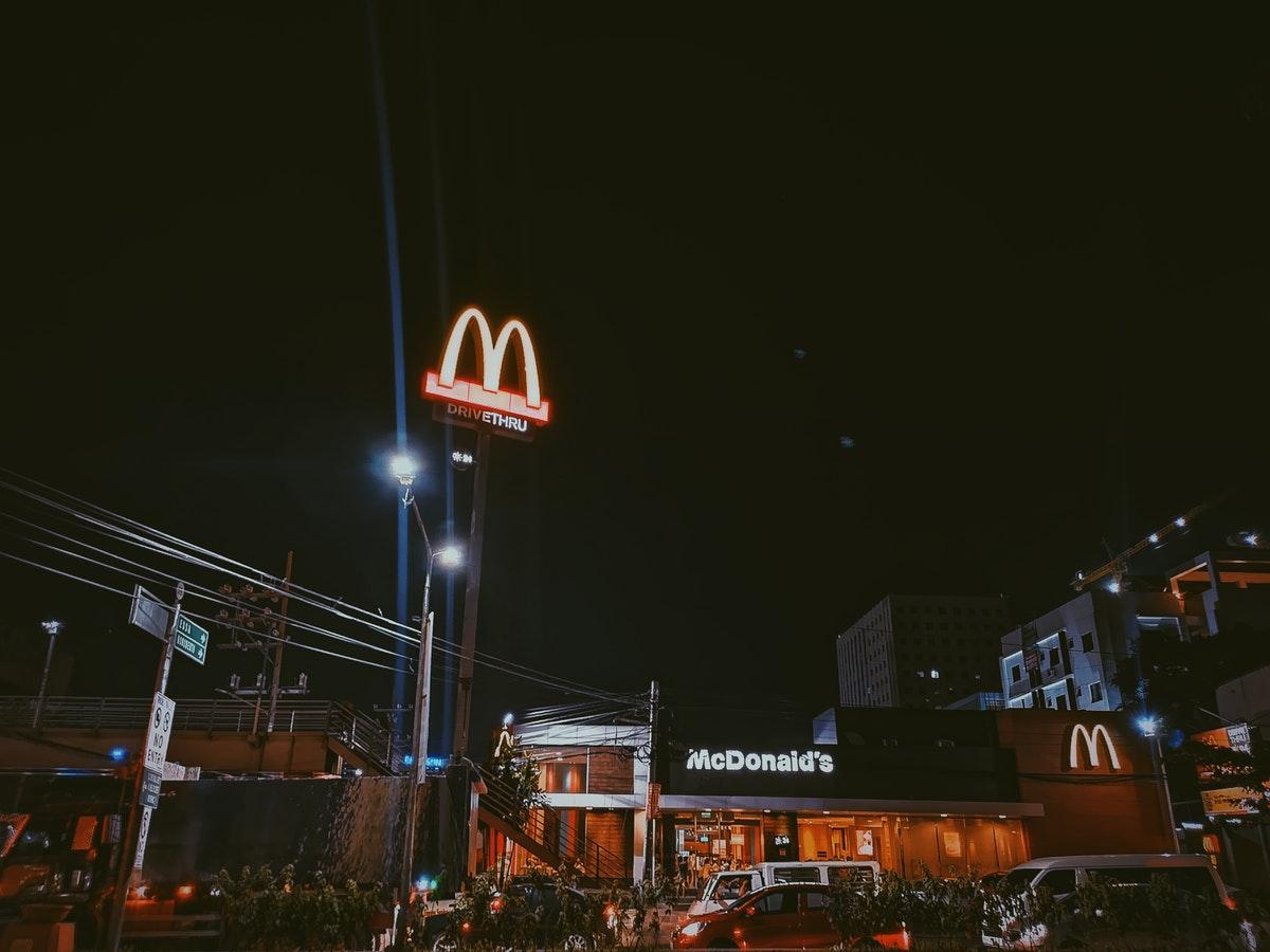mcdonald store at night