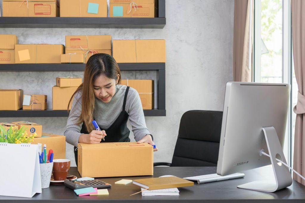 entrepreneur labeling boxes